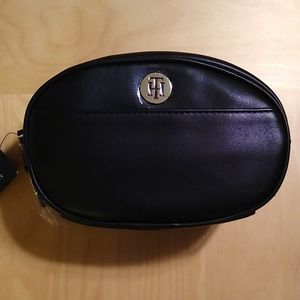 🇺🇸 Tommy Hilfiger Convertible Belt Bag